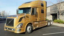 2011 Volvo Trucks VNL