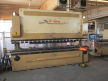 1998 SHEET METAL BENDING MACHIN