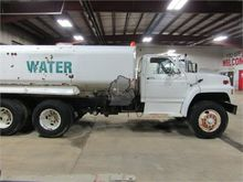 1990 FORD F900