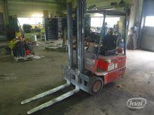 Linde E15 counterbalanced truck