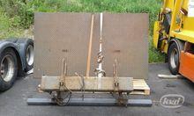 2004 Zepro Tail lift 1500 kg  T