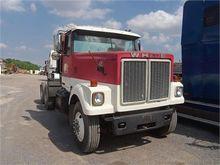 1983 WHITE 46640C