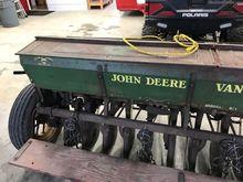John Deere 13X7