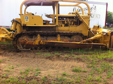 Caterpillar D8H Ripper