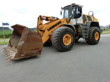 2010 Liebherr 586 2plus2
