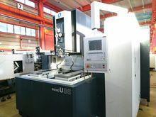 2001 Makino milling machine U86