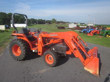 Kubota L2800 4x4 loader backhoe