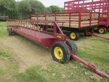 Farmco 23' feeder wagon