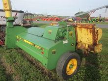 John Deere 3950 harvester