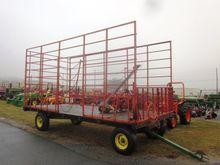 John Deere 8x18 hay wagon