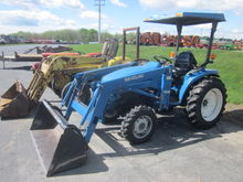 New Holland 1530 4x4 loader
