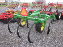 Landoll 7T 3pt chisel plow