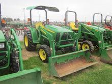 John Deere 3038E 4x4 loader