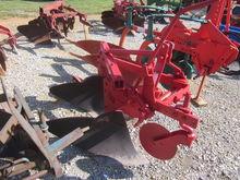 Massey Ferguson 2x16 3pt plow