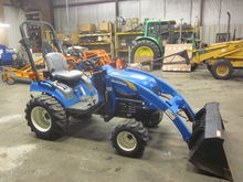 New Holland T1110 4x4 loader