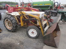 Satoh S650G with loader