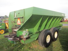 Spread Master 180 spreader