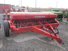 International 510 grain drill