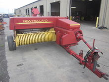 New Holland 316 baler with thro