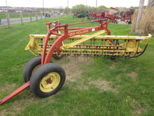 New Holland 256 rake with dolly