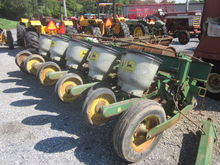 John Deere 71 11R planter