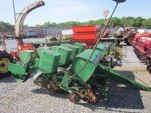 John Deere 4R 1240 corn planter