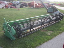 John Deere 25' 925 grain head