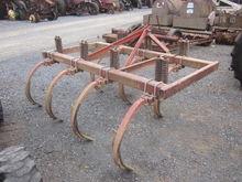 Brady 7T 3pt chisel plow