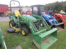 John Deere 2305 4x4 loader