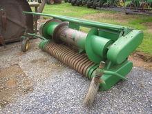 John Deere 7' hay head
