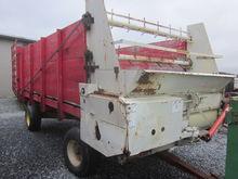 Dion 1016 forage wagon