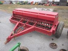 Case IH 10' 5100 grain drill