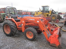 Kubota L2900 4x4 loader