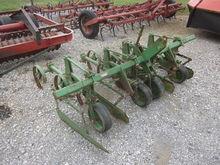 John Deere 2R 3pt cultivator