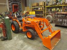 Kubota B7500 4x4 loader
