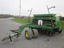 John Deere 10' 1560 no till dri