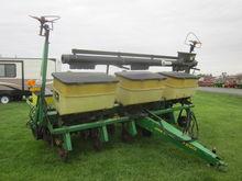 John Deere 7200 6R planter