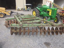 John Deere 10' offset disc