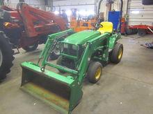 John Deere 2210 4x4 loader