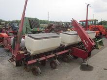 White 6R 5100 corn planter