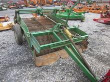 John Deere 2 row potato digger