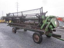John Deere 218 grain platform a