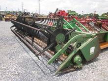 John Deere 218 grain platform