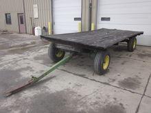 John Deere 8x16 flat wagon