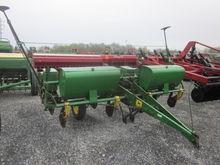John Deere 4 row 1240 cornplant
