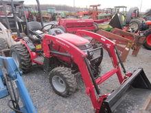 Mahindra 26XL 4x4 loader