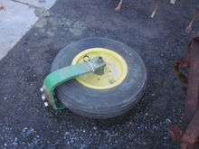 John Deere single front wheel /