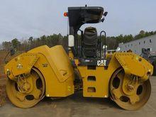 2011 Caterpillar CB54XW 113937