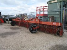 Used YETTER 3530 in