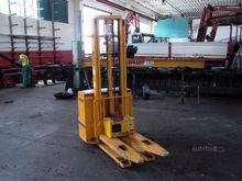 Electric forklift transpellet I